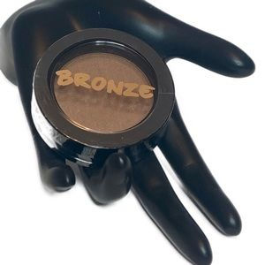 🆓FREE w/ Purchase: Bronzing Powder